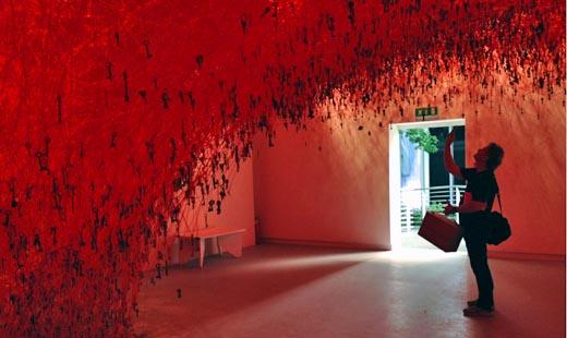 venice biennale 2015 chiharo shiota michael binkley sculptor